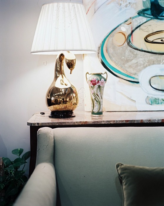 How To Buy and Sell Furniture Through Consignment Tips