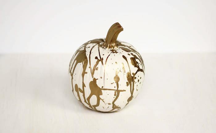 Chic_Halloween_Painted_Pumpkins_10