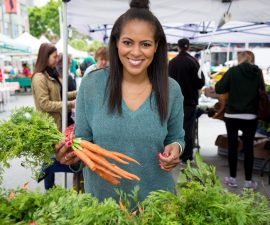 5 Reasons to Shop at Your Local Farmer's Market