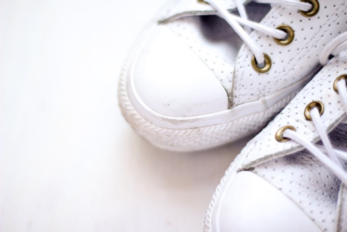 Tips-for-keeping-white-sneakers-bright-nicole-gibbons-2