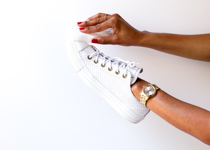 Tips-for-keeping-white-sneakers-bright-nicole-gibbons-3