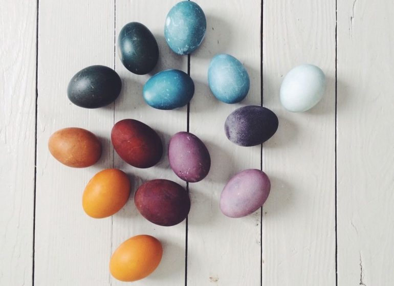 Naturally Dyed Easter Eggs_15