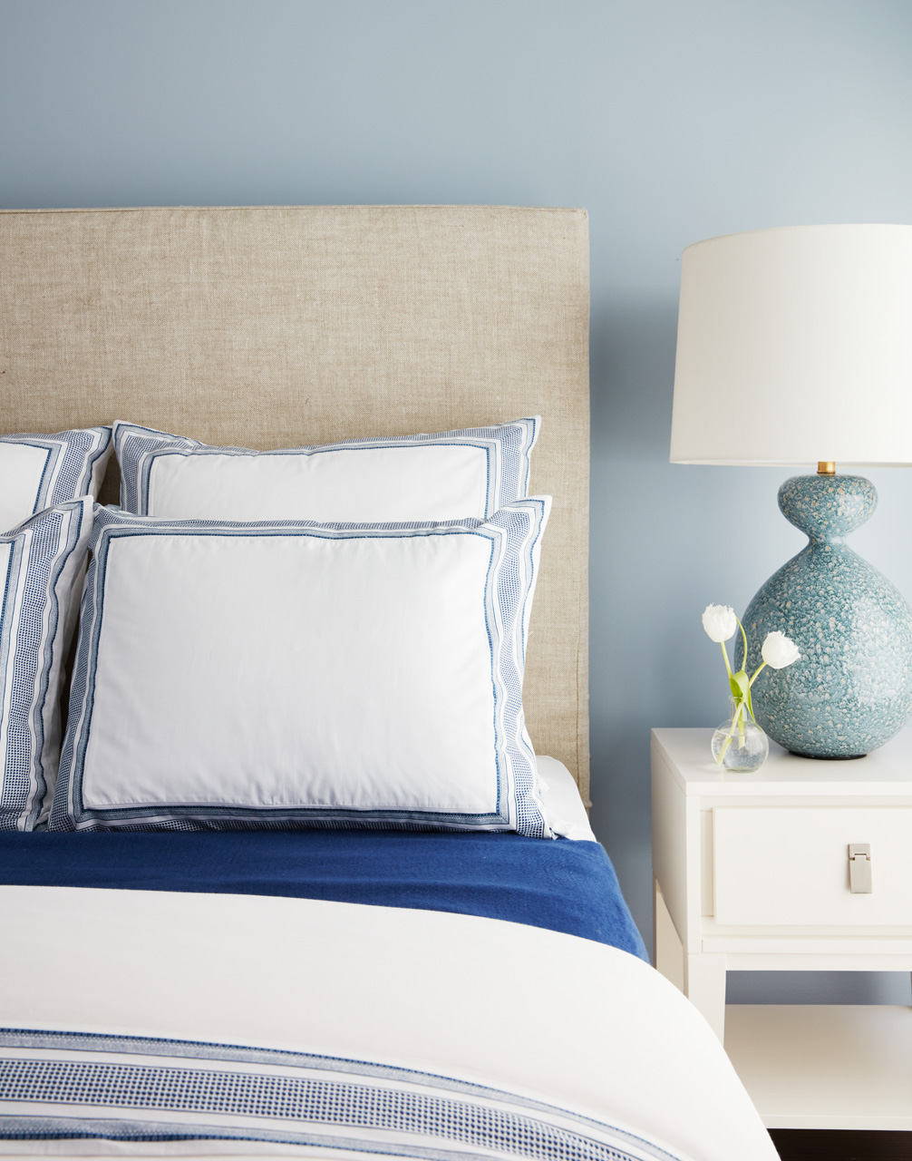 Coastal Beachy Bedroom Get the Look_12