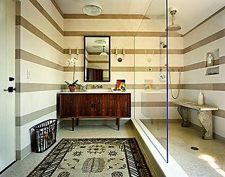 Solomonbathroom
